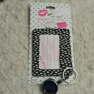 Betsy Johnson NWT Spotted Retractable ID Holder